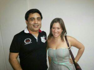 Fernando Muñoz , Mums junto a  Andrea Salazar, Asesora legislativa del Diputado Boric.