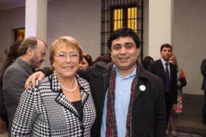 Fernando Muñoz, Dirigente MUMS Junto a la Presidenta de la República Michelle Bachelet Jeria